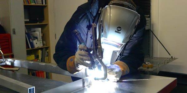 mengelas aluminium dengan las tig