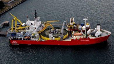 kapal-laut-pemasang-kabel-bawah-laut